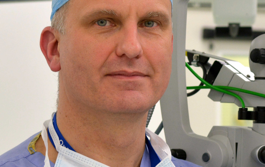 United Kingdom surgeons carry out world's first robot eye surgery
