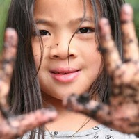 Letting kids get dirty and messy has lifelong health benefits
