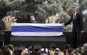 Barack Obama pays tribute to Shimon Peres at Israeli statesman's funeral