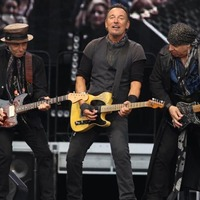 Book reviews: Springsteen tells how he was Born To Run