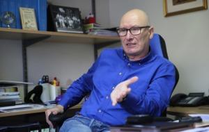 PUP leader Billy Hutchinson wins no converts at grumpy conference
