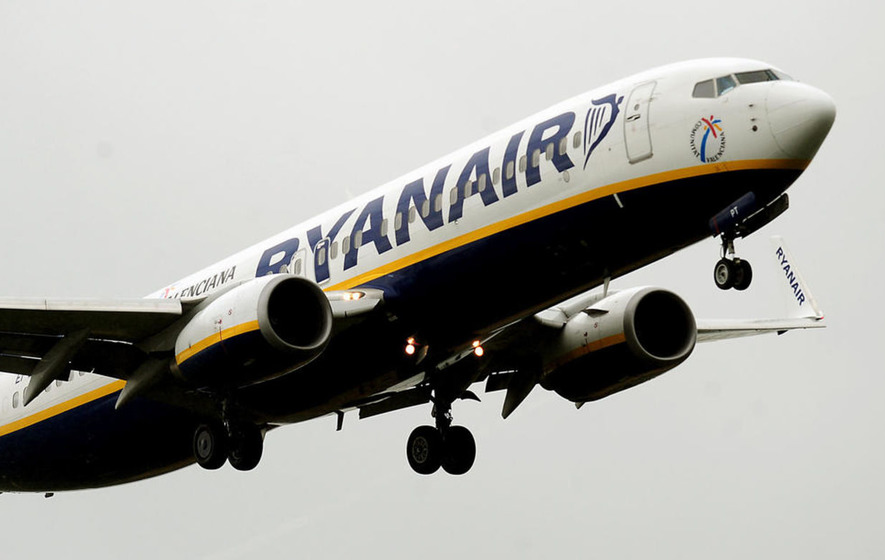 Ryanair cuts annual earnings forecast amid plunging pound