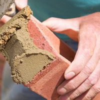 Brickies and sparks pack up their tools for Dublin, says FMB report