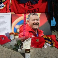 "Munster make ""tough choice"" to play a day after coach Anthony Foley's funeral"