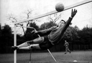 On this Day: Oct 22 1972: Career of England goalkeeper Gordon Banks is cut short when he loses an eye after a car crash