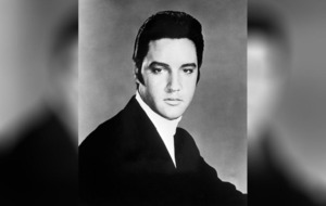 Record-breaker Elvis reigns at top of charts