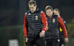 Glentoran boss Gary Haveron out to avoid award jinx