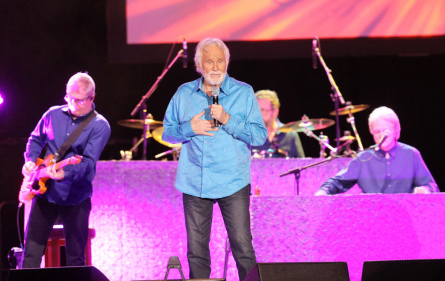 Country superstar Kenny Rogers delights Belfast crowd at SSE Arena ...