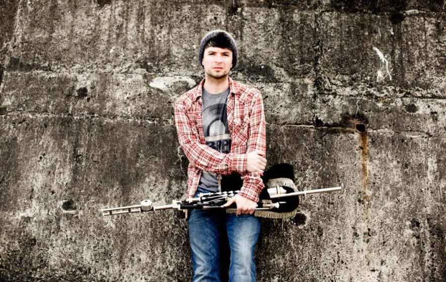 Hearts Broken, Heads Turned? Uilleann piper Jarlath Henderson has just the cure