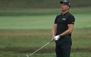 Henrik Stenson tightens grip on Race to Dubai as Danny Willett flounders