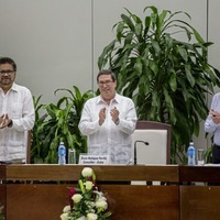 Colombia signs new peace deal with Farc rebels