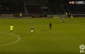 Video: This pass to a steward highlights the danger of wearing a luminous yellow kit