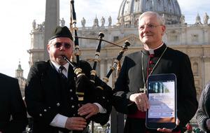 Catholic app leads faithful to Mass and confession