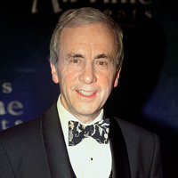 Stars pay tribute to Fawlty Towers actor Andrew Sachs