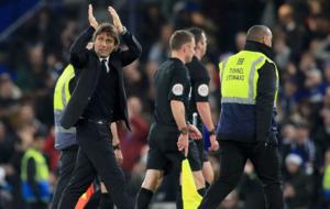 Antonio Conte would love to have Kevin De Bruyne at Stamford Bridge