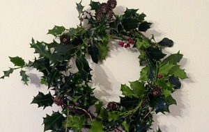 Outdoors: Turn a winter walk into a Christmas wreath-making forage