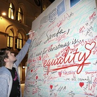 Giant Christmas card unveiled in support of gay marriage