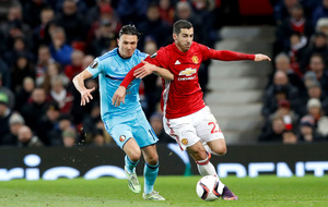 Henrikh Mkhitaryan helps Manchester United to victory over Zorya Luhansk