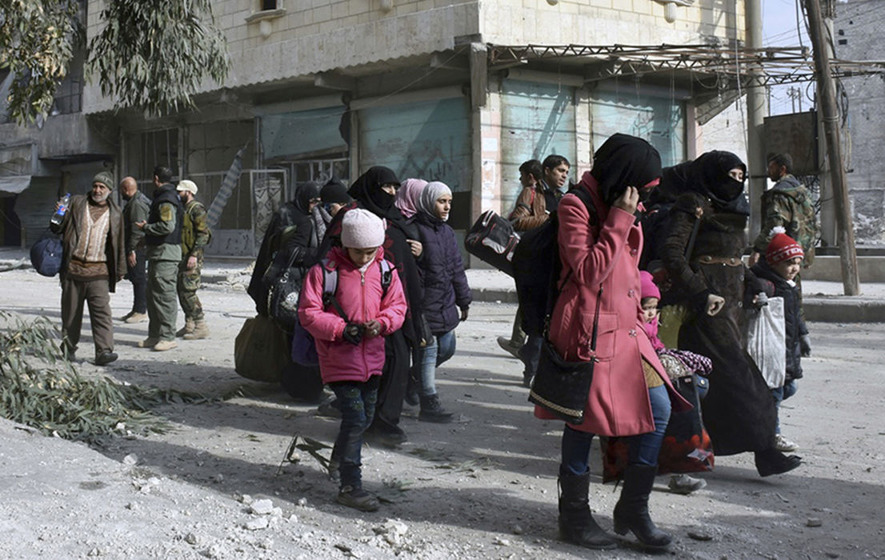 Syrian forces 'shooting civilians on the spot'