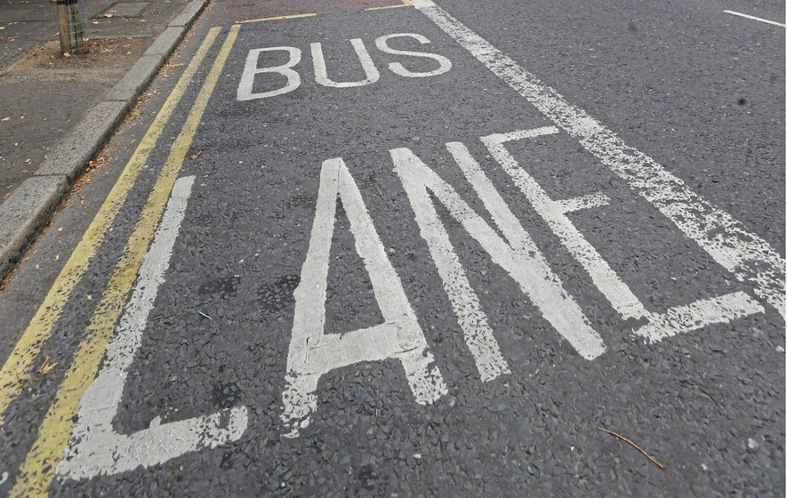 Scrap bus lanes in parts of Belfast, says Belfast Chamber of Commerce
