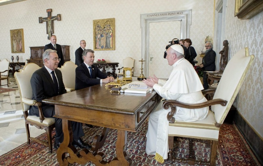 Pope brings together Colombian rivals to discuss rebel peace deal
