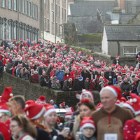 Thousands don Christmas jumpers in Derry for charity world record bid