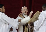 Pope Francis urges peace in Syria and other war zones