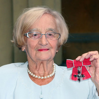 Royle Family cast pay tribute to co-star Liz Smith who has died at 95