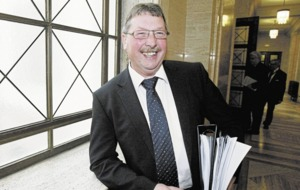 Sammy Wilson: 'Nobody spotted fatal flaw in RHI scheme'