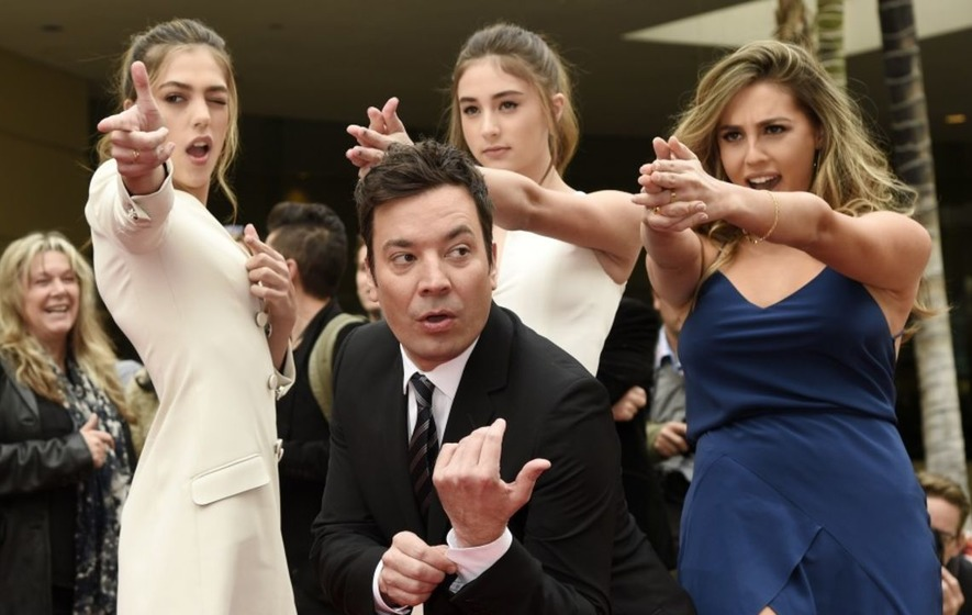 Celebrities get ready for the Golden Globes 2017 - take a look at their best photos and videos