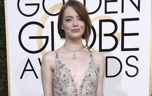 Emma Stone was all of us when she tried to kiss her La La Land director at the Golden Globes