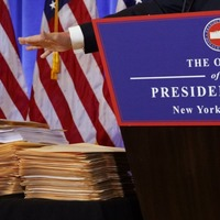 Were Donald Trump's piles of folders just filled with blank paper?