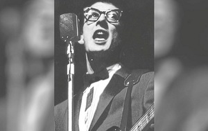 Buddy Holly guitarist who lost coin toss to travel on doomed plane dies aged 85