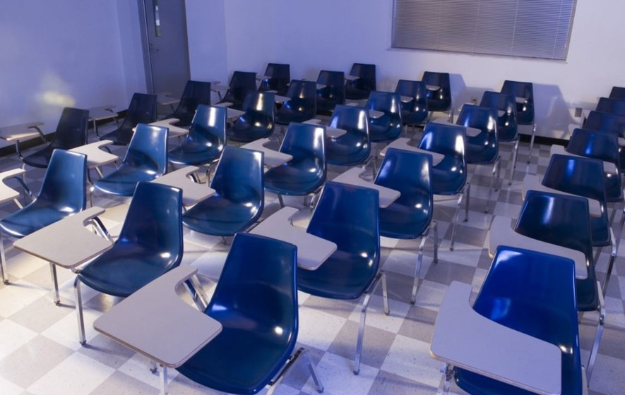 No students turned up to this teacher's class and he live tweeted every agonising moment