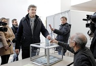 French voters choosing left-wing presidential nominee