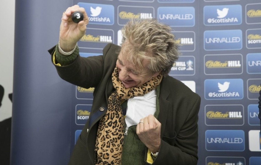 Sir Rod Stewart had more fun doing the Scottish Cup draw than anyone doing a cup draw ever has