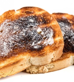 The news that eating crispy potatoes and burnt toast might cause cancer made Twitter say nope