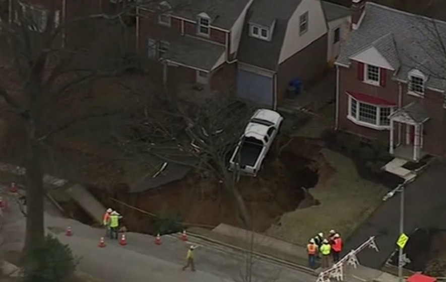 Large sinkhole opens up in Cheltenham Twp. neighborhood