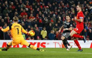 Shane Long goal earns Southampton a place in EFL Cup final