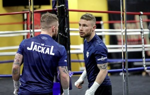 Warrior Carl Frampton will prevail in battle against Leo Santa Cruz