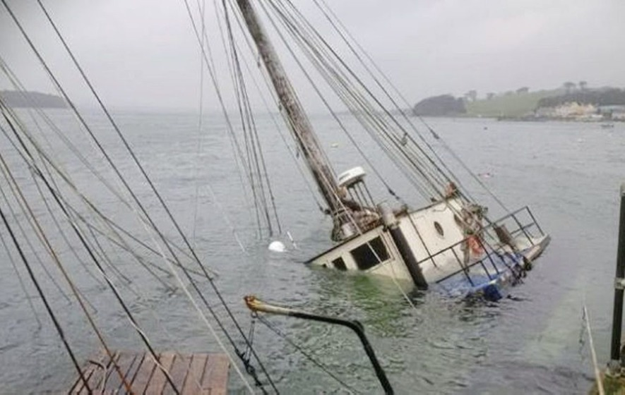 Probe after boat sinks with 1,000 litres of diesel onboard