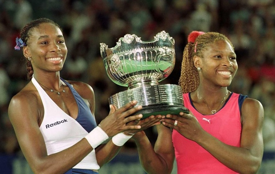 11 pictures of Venus and Serena Williams demonstrating grand slam-level sister goals