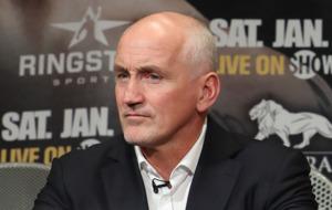 Barry McGuigan: Leo Santa Cruz owes Carl Frampton a rematch in Belfast