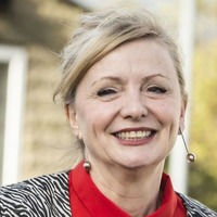 Lack of women working in cultural industries 'woeful', says MP Tracy Brabin