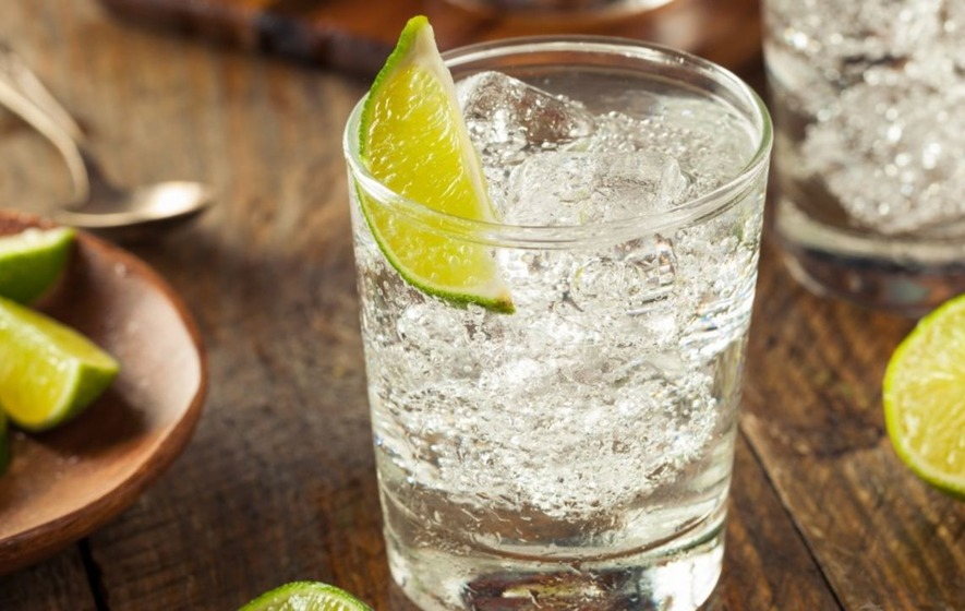 You can travel on a gin tour bus around different UK cities and it sounds like a total dream