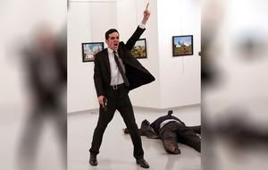 Photograph of Turkish assassin wins world press photo award