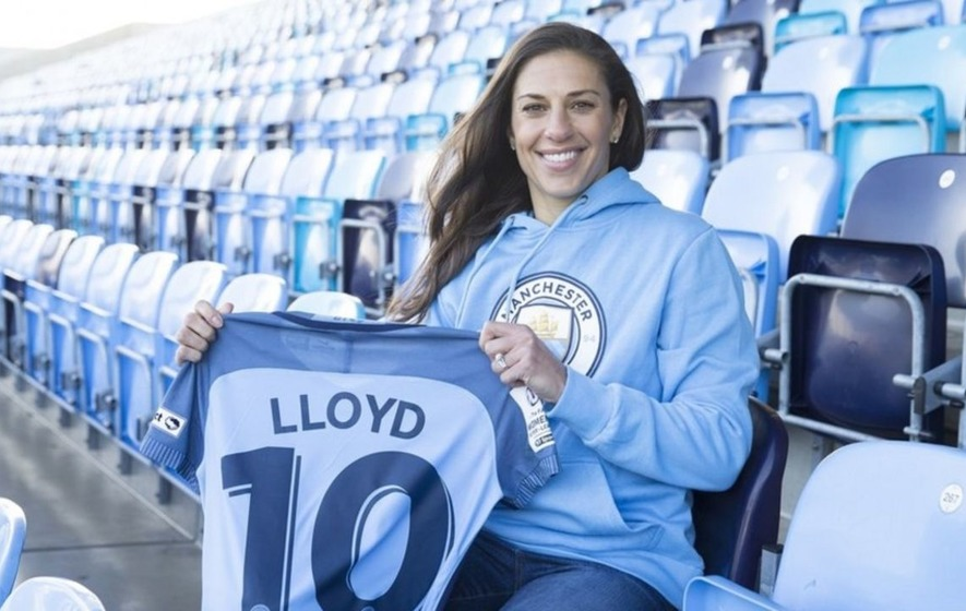 Carli Lloyd signs for English women's champion Man City