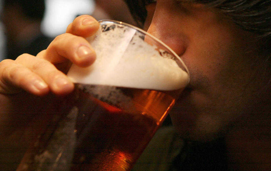 How do employers prevent staff going to the pub at lunchtime?
