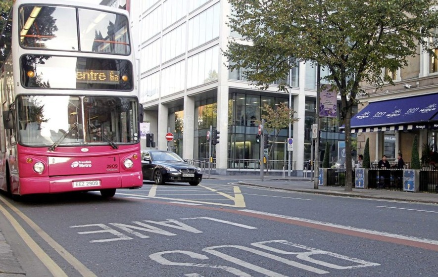 Scheme to allow private taxis to use bus lanes criticised