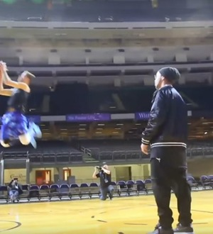 Video: Ronaldinho providing multiple slam dunk assists is easily the coolest thing you'll see this week